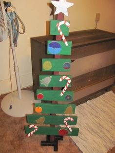 Pallets Platform : 20+ DIY Pallet Tree That to Inspire Your Homes