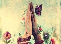 manos-juntas-con-una-mariposa