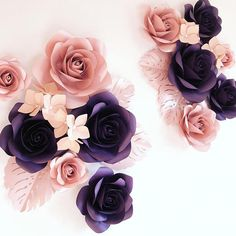 """Luxury paper flowers made from high quality paper. This set includes: - 3 paper flowers of 10"""" diameter - 6 paper flowers of 7"""" diameter - 3 paper flowers of 5"""" diameter - 4 groups of 3 hydrangea flowers - 5 leaves"""