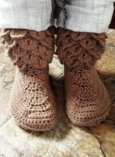 365 Crochet: Short Crocodile Boots -free crochet pattern-