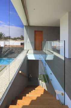 Mar de Luz Modern Mansion in Peru Showcasing Luxurious Transparency - http://freshome.com/2014/10/06/mar-de-luz-modern-mansion-in-peru-showcasing-luxurious-transparency/