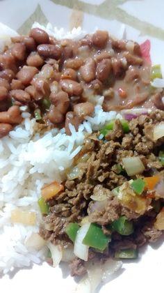 Carne de soja com feijão mulata gorda e arroz branco°