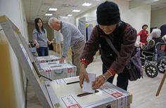 關於公投的通過門檻,依照現行法規定是「雙1/2」,即投票人數必須達投票權人1/2,同意票也必須超過有效票1/2才算通過,被稱為「鳥籠中的鳥籠」。