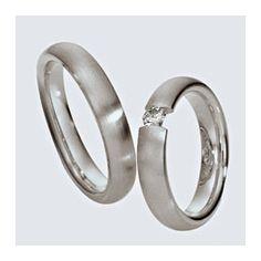 Verighete din aur alb cu briliante si interiorul rotunjit pentru confort la purtare. Pot fi realizate din aur alb, aur galben sau aur roz. La cerere sunt posibile şi alte modificări. Aur, Engagement Rings, Jewelry, Enagement Rings, Wedding Rings, Jewlery, Jewerly, Schmuck, Jewels