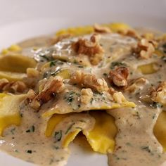 Butternut Squash Ravioli with Brown Butter Sauce #pasta