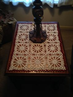 "Maryanne's end table topper ""Wagon Wheel"""
