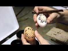 Zdobení kraslice voskovými barvami, Easter Egg Decoration with waxy colors, - YouTube