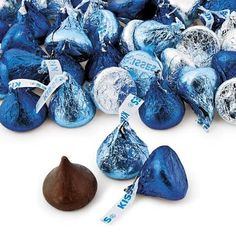 Blue & Silver Hershey's® Kisses®, Name Brand Candy, Candy, Party Themes & Events - Oriental Trading You Are My Moon, Party Hard, Diamond Party, Denim And Diamonds, Royal Baby Showers, Holiday Candy, Blue Christmas, Christmas 2015, Blue And Silver