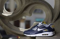 Nike Air Max 90 Leather   Obsidian / White   Wolf Grey   Gold Loden