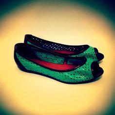 Amei esse PeepToe. E vocês, curtiram? Compre o seu aqui: http://koqu.in/148gBW3 #koquini #sapatilhas #euquero #peeptoe #raphaellabooz