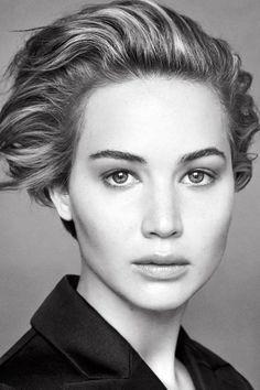 Jennifer Lawrence Voor Haar 3rde 'Miss Dior' Campagne