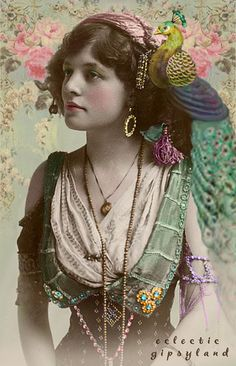 The women at the old religion Rite dance and rattle their jewelry Vintage - peacock postcard (original from) Berlin early gypsy photo.'they wore a lot of jewelry and most of the women told fortunes and the men scammed people. Vintage Gypsy, Mode Vintage, Vintage Beauty, Vintage Ladies, Vintage Fashion, Fashion 1920s, Vintage Woman, Hippie Fashion, Retro Vintage