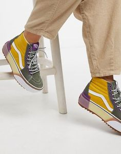 Buy Vans Era Stacked white trainers at ASOS. With free delivery and return options (Ts&Cs apply), online shopping has never been so easy. Get the latest trends with ASOS now. Hype Shoes, Gucci Shoes, Vans Shoes, New Shoes, Shoes Sneakers, Tenis Vans, Vans Sk8, Fashion Shoes, Vans Sneakers