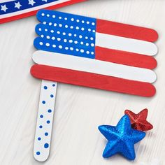 SLV: Saved to Michaels Kids Club® Craft Stick American Flag Help your kids get into the spirit of the holiday with this patriotic flag craft. Craft Stick Crafts, Preschool Crafts, Easy Crafts, Paper Crafts, Kids Crafts, Craft Sticks, Craft Ideas, Decor Ideas, Creative Crafts
