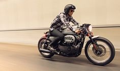 Harley-Davidson Iron 883 #harley  #caferacer #deusexmachina