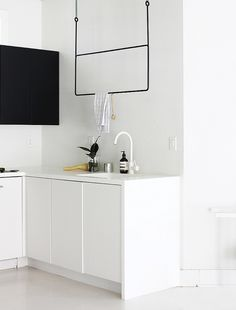 Here we showcase a a collection of perfectly minimal interior design examples for you to use as inspiration.Check out the previous post in the series: 20 Minimalism Interior, Kitchen Inspirations, Dining Room Design, Interior Design Examples, Decor, Interior Design, Kitchen Interior, Interior Styling, Minimal Interior Design