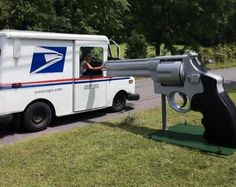 Now that's a mailbox!