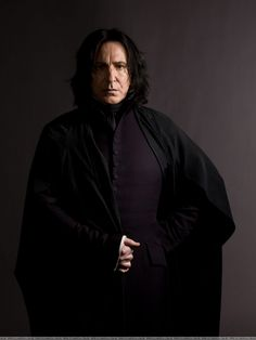 Professor Severus Snape (Alan Rickman) - terrifying teacher of the dark arts at Hogwarts in the Harry Potter series who sides with evil to do the right thing. Alan Rickman in general plays good villain roles. Alan Rickman Severus Snape, Professor Severus Snape, Snape Harry, Harry Potter Severus Snape, Severus Rogue, Harry Potter Poster, Rogue Harry Potter, Harry Potter Fiesta, Harry Potter Characters