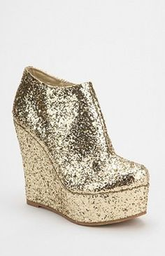 ooooh sparkly shoes!!!!