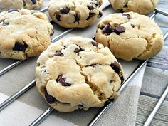 This easy caramel icing recipe & simple banana cake recipe make an irresistible pair that the entire family will love! Traditional Chocolate Chip Cookie Recipe, Eggless Chocolate Chip Cookie Recipe, Eggless Cookie Recipes, Choco Chip Cookies, Eggless Baking, Butter Cookies Recipe, Healthy Cookie Recipes, Choco Chips, Chocolate Chip Recipes