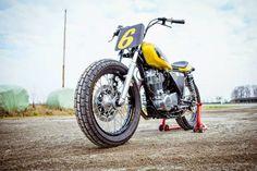 "Yamaha SR 400 ""DI TRAVERSO Flat Track School"" by Deus"