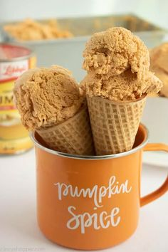 Pumpkin Ice Cream - CincyShopper Ice Cream Desserts, Fall Desserts, Frozen Desserts, Ice Cream Recipes, Delicious Desserts, Dessert Recipes, Frozen Treats, Candy Recipes, Yummy Food