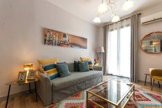 In the Gràcia district of Barcelona, close to La Pedrera, InBarcelonaSuites features free WiFi and a washing machine. La Pedrera, Sofa, Couch, Free Wifi, Hair Dryer, Dining Area, Washing Machine, Separate, Balcony