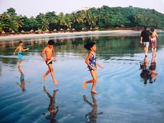 GOA, INDIA   Vainguinim beach, near Panjim » three in a row ...
