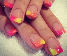 @Megan Spaulding. Fun summer nails