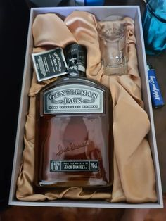 Whisky Bar, Cigars And Whiskey, Scotch Whiskey, Jack Daniels Whiskey, Bourbon Whiskey, Gentleman Jack, Supreme Wallpaper, Tennessee Whiskey, Yummy Yummy
