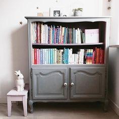 Najbardziej kolorowe miejsce w domu 🌈. Polecicie ciekawe pozycje dla prawie trzylatki? #anicjaswhitespace #pokójŁucji #kidsroom #nursery #girlsnursery #girlsroom #kidsbookshelf #bookshelfie #rainbowbooks #heico #anniesloanchalkpaint #lovethisplace #interior_and_living #interiordesign #interior125 #interiorstyling #biblioteczka #ksiazkidladzieci #pokojdziewczynki #ludwik