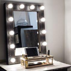 Mirror with lights!  Зеркало с лампочками для гримерного столика.
