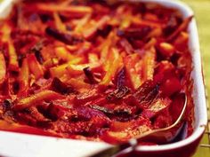 Mehukas juureskiusaus Ratatouille, Side Dishes, Cabbage, Bacon, Food And Drink, Soup, Cooking Recipes, Vegetarian, Beef