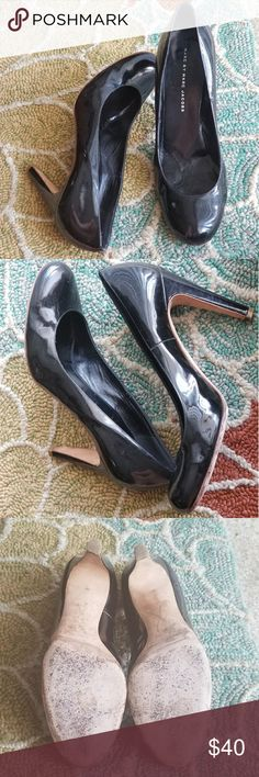 SALE!!Marc Jacobs leather 40.5 made in Italy heels Black Marc Jacobs pumps perfect for a dressy  dress,skirt, or pair of pants. A great pear of heels for a Christmas party of a dressy event. Only lightly worn. Marc Jacobs Shoes Heels