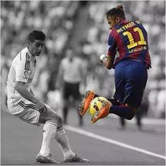 Rodriguez is in dark. Neymar JR in light. #barca jaja mercurial
