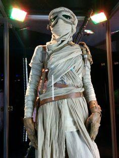 Rey's (Daisy Ridley) costume on display at Celebration Anaheim #theforceawakens