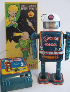 Original Masudaya Space Man tin robot Japan 1950s