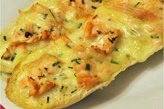 Baguettes gratinées au saumon légères, un petit plat complet très facile et simple à réaliser pour un repas improvisé accompagné d'une bonne salade.