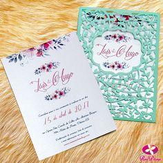 Mais um lindo convite para casamento com corte laser e floral. Perfeito para aquele casamento moderno no campo. Veja mais aqui na Rosa Pittanga. #convitecasamento #cutlaser