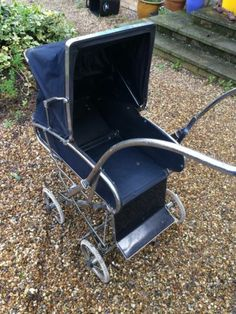 Save It From The Dump! Silver Cross Prams, Vintage Pram, Prams And Pushchairs, Baby Prams, Moses Basket, Mode Of Transport, Baby Things, Vintage Silver, Old And New