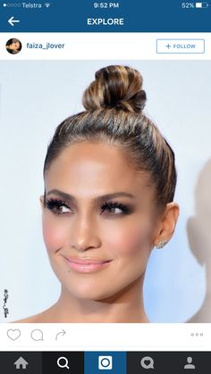 Jlo caramel highlights. Bun.