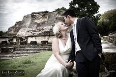 Maya Ruin Wedding | Altun Ha Maya Site | Destination Wedding Photography in Belize. Jose Luis Zapata Photography