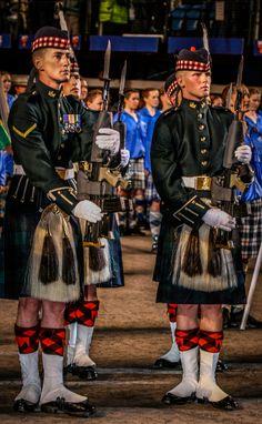 Kilt Guards at Edinburgh Military Tattoo Available on… Scottish Army, Scottish Dress, Scottish People, Scottish Kilts, Scottish Fashion, Scottish Clans, Edinburgh Military Tattoo, Arm Guard, Military Tattoos