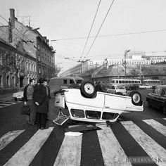 Kliknite pre zobrazenie veľkého obrázka Bratislava, Socialism, Php, Old Photos, Nostalgia, Ulice, Sign, Times, Retro