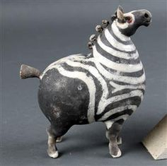 Best 8 Beautiful ceramic zebra made by artist Ekaterina Zaspa (KatochekZ – fb). White grogged clay, glazed, fired in raku kiln. Pottery Animals, Ceramic Animals, Clay Animals, Raku Pottery, Pottery Sculpture, Pottery Art, Sculptures Céramiques, Small Sculptures, Horse Sculpture