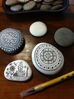 New Zealand artist Maria of MagaMerlina drew these beautiful, intricate designs onto flat pebbles with artist pens. The plant drawing is my favorite, but they're all totally gorgeous and inspiring! Haley Pierson-Cox Brooklyn-based DIY from a Gal in Granny Glasses http://www.thezenofmaking.com     The Zen of Making Facebook