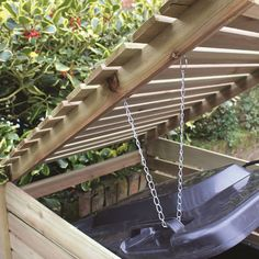 Wooden Single Wheelie Bin Store - Hit Tutorial and Ideas Recycling Storage, Storage Bins, Bin Store Garden, Bin Shed, Driveway Landscaping, Outdoor Living, Outdoor Decor, House Front, Garden Planning