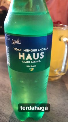 #sprite #dahaga #terdahaga #meme #memeter #tercyduk Food Quotes, Jokes Quotes, Daily Quotes, Funny Quotes, Quotes Lucu, Quotes Galau, Food Poster Design, Snap Food, Memes Funny Faces