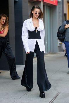 Bella Hadid Street Style - Bella Hadid's Hottest Looks - Best Celebrity Style images Bella Hadid Outfits, Bella Hadid Style, Fashion Mode, Look Fashion, Fashion Trends, Grunge Fashion, Fashion Styles, Spring Fashion, Fashion Tips