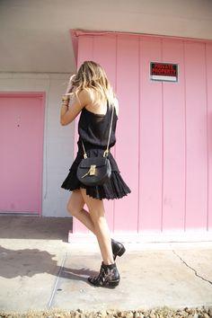 Blogger Style l Lauren Wright (A hippie´s daughter): black top x black volant skirt x chloé studded susanna boots x chloé drew bag
